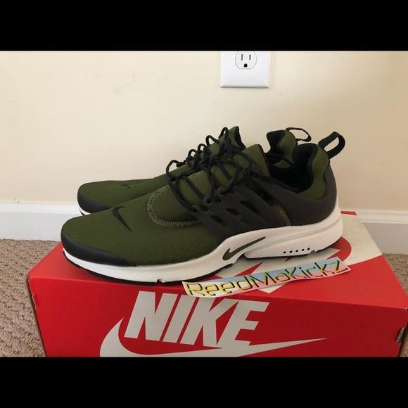 6560165e6cd Nike air Presto essential Legion Green black